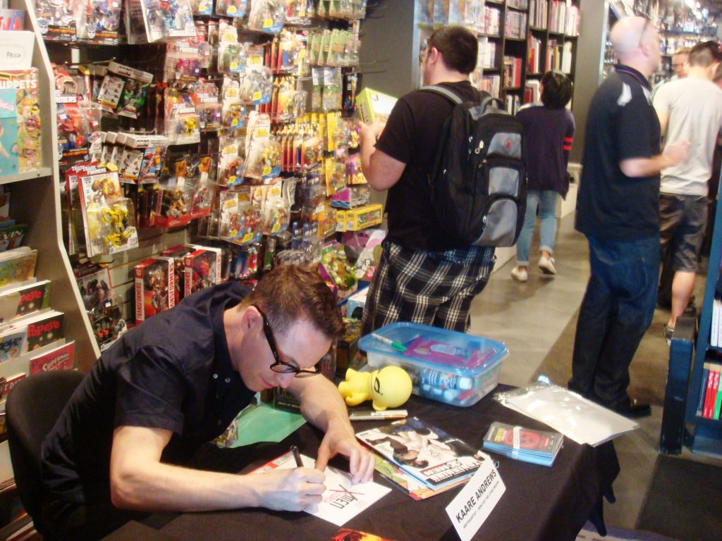 Kaare Andrews At Silver Snail Sketching and Signing