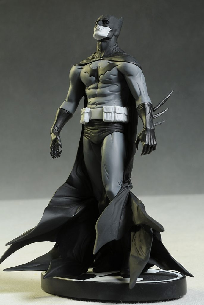 jae lee batman statue